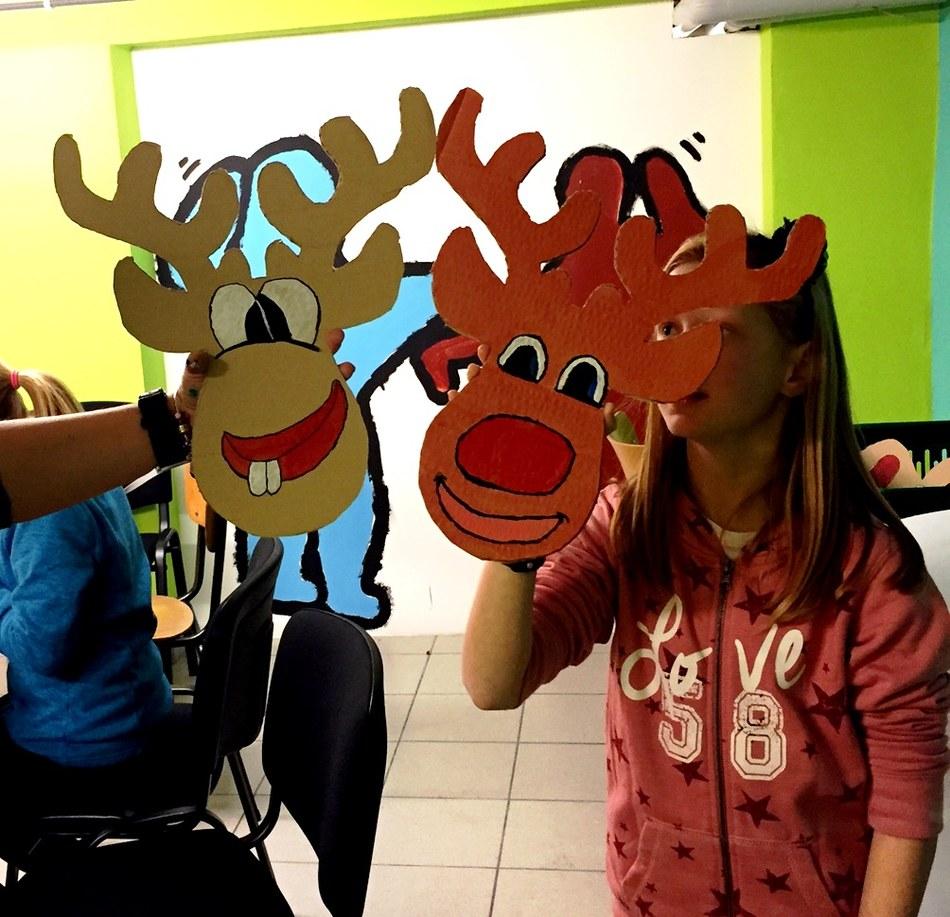 Préparation des décorations du marché et du goûter de Noël Pour les 7-12 ans...