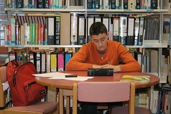 Un étudiant au travail